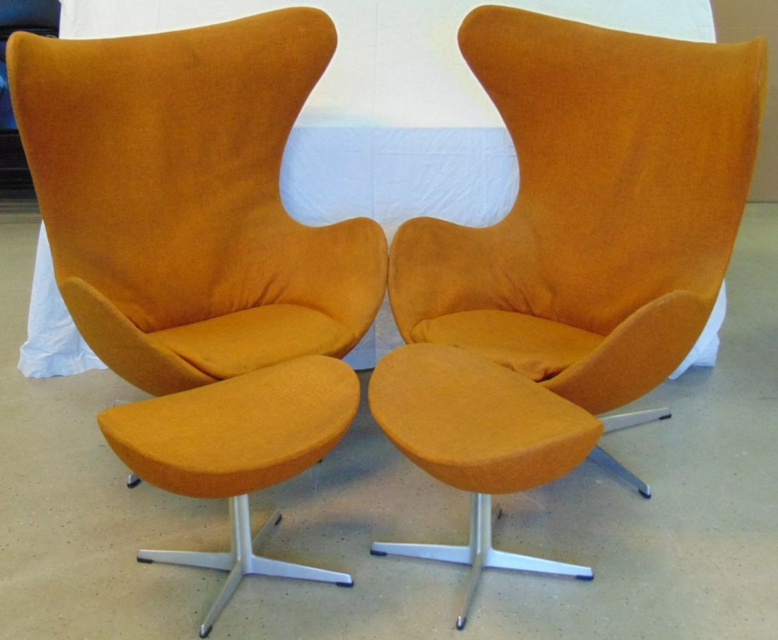 Vtg Pair of Arne Jacobsen Egg Chairs & Ottomans