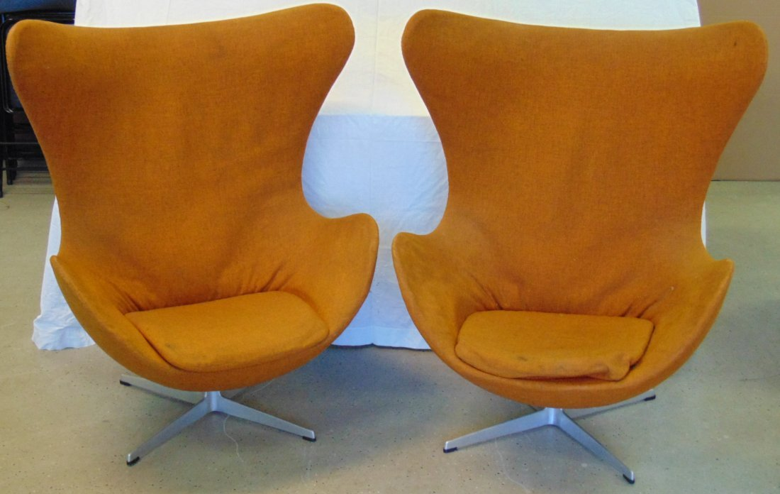 Vtg Pair of Arne Jacobsen Egg Chairs & Ottomans - 2