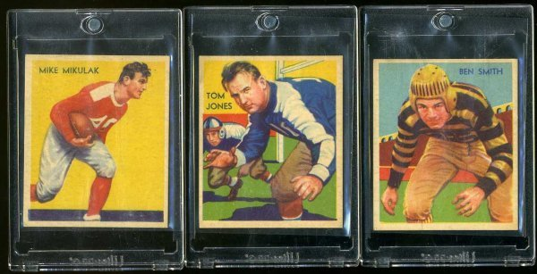 4: 1935 CHICLE FOOTBALL LOT OF 3.
