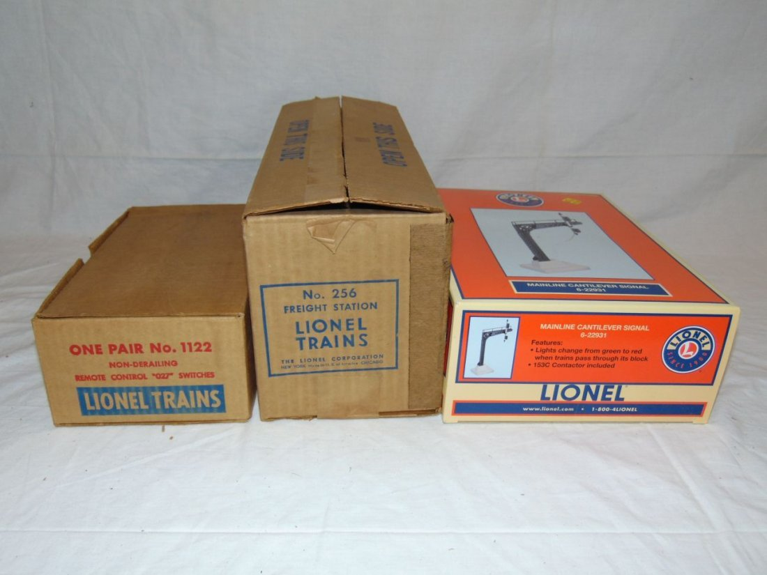 Lot of Lionel Accessories, Boxed