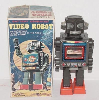 2018: BATTERY OPERATED VIDEO ROBOT