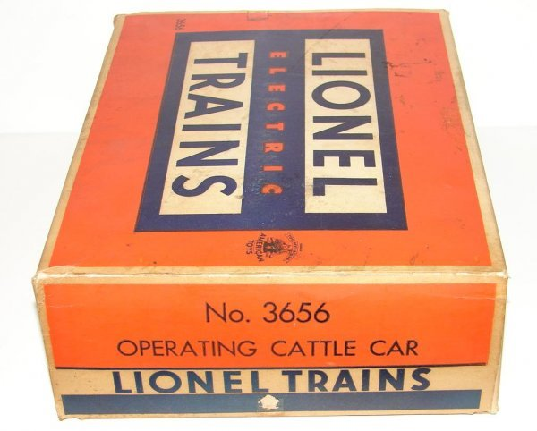 2011: LIONEL OPERATING CATTLE CAR IN BOX