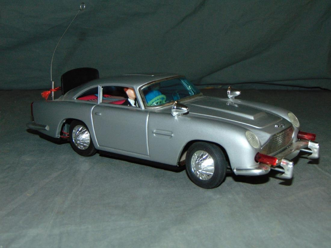 1965 Boxed Gilbert B/O James Bond Aston Martin - 3