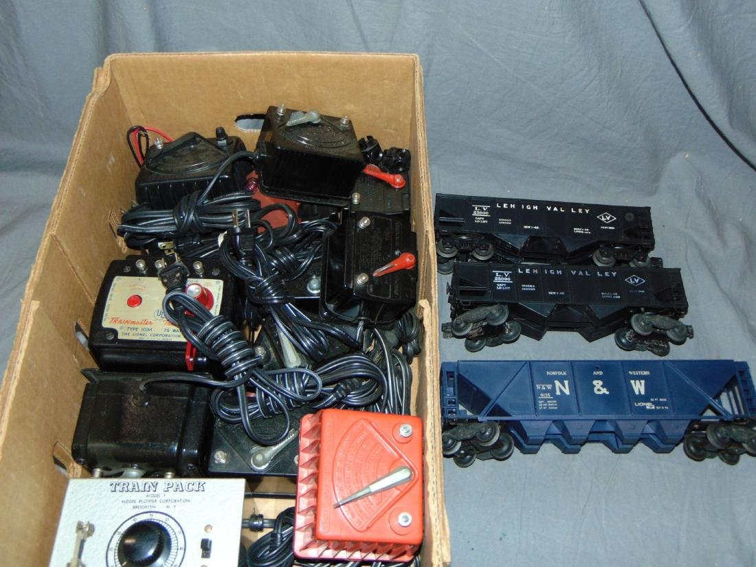 Lot of Many Lionel Smaller Transformers