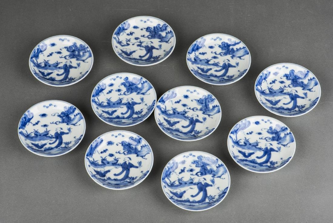 A SET OF TEN BLUE AND WHITE 'FIGRUAL' PORCELAIN DISHES