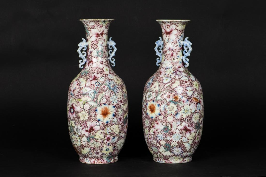 A PAIR OF FAMILLE ROSE MILLEFLEURS VASE