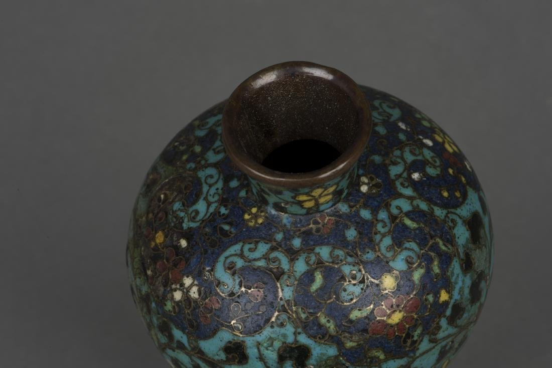 A CLOISONNE ENAMEL VASE, MEIPING, MING DYNASTY - 4