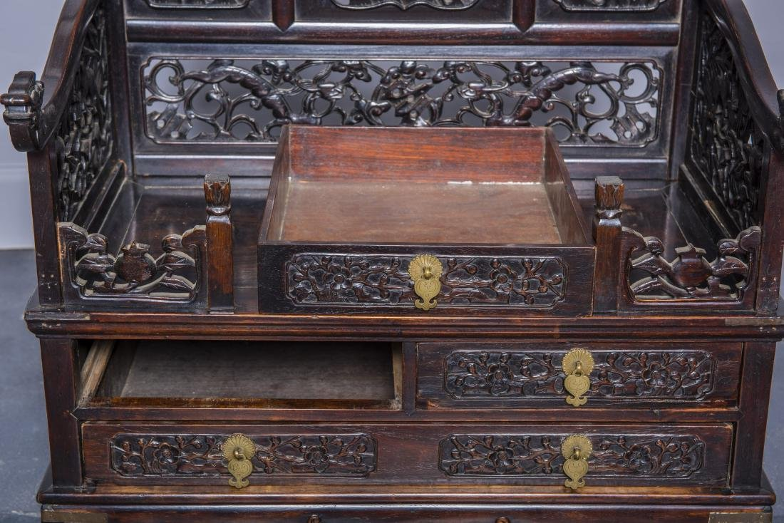 A HUANGHUALI MIRROR CASE, QING DYNASTY - 3