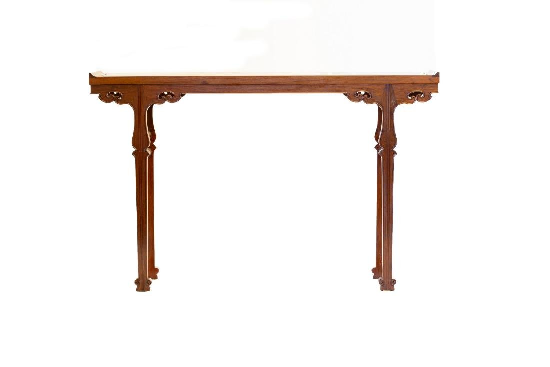 A RECESSED-LEG HARDWOOD CHINESE ALTAR TABLE (Y)