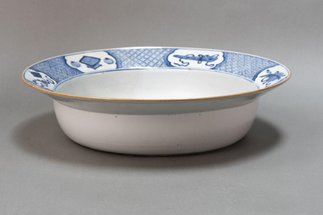 A CHINESE ANTIQUE BLUE & WHITE BASIN - 3
