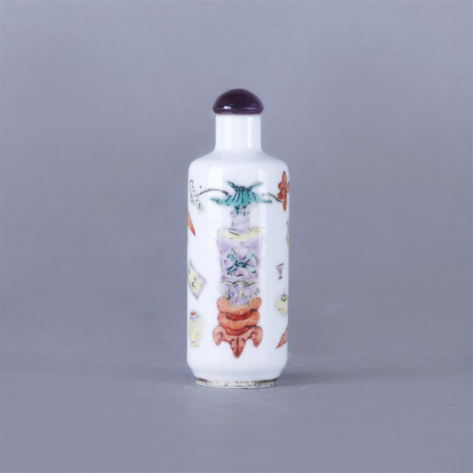 A FAMILLE ROSE SNUFF BOTTLE
