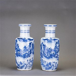 A PAIR OF BLUE AND WHITE 'LANDSCAPE' ROULEAU VASE, 19TH