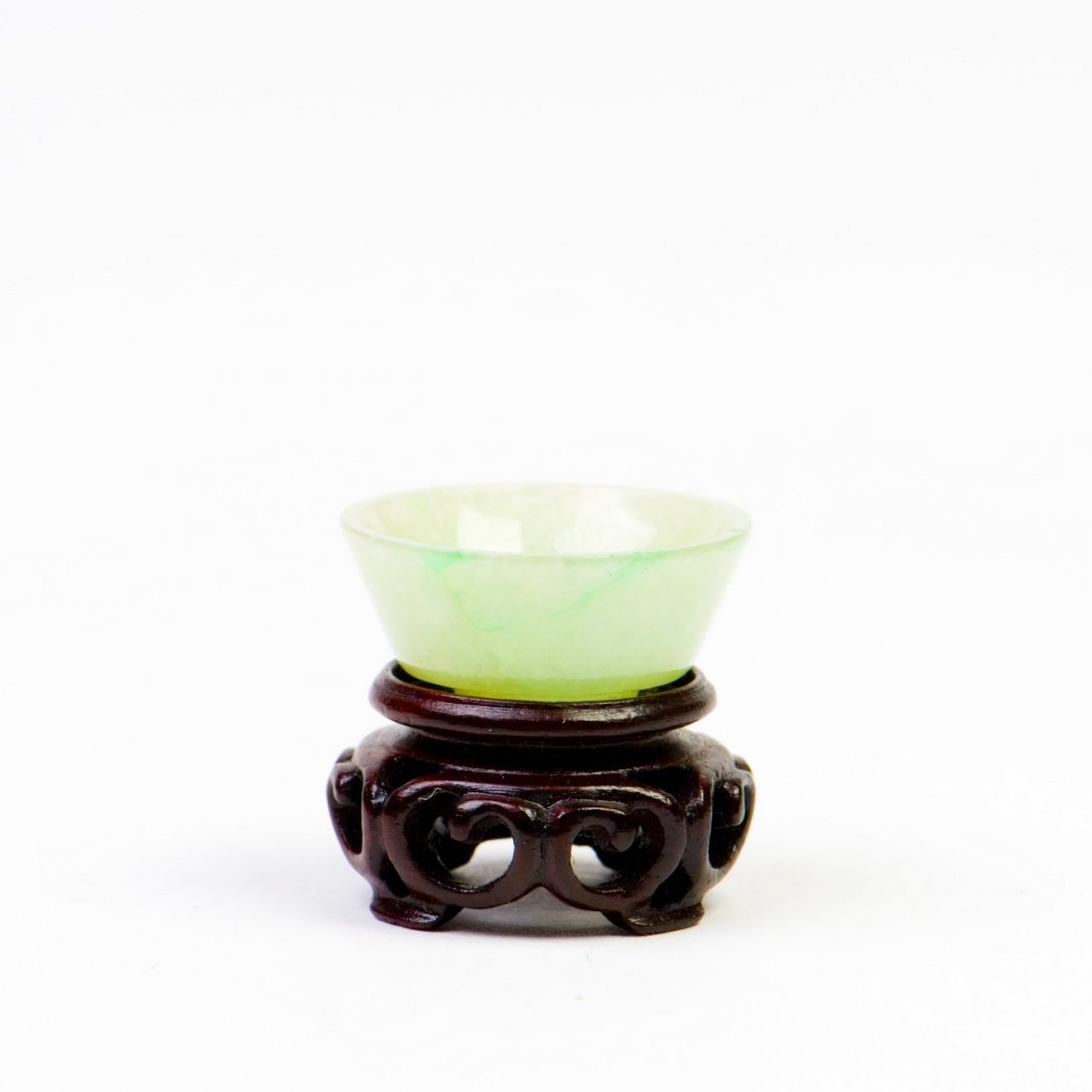 A WHITE JADE BOWL, QING DYNASTY, 18/19TH CENTURY