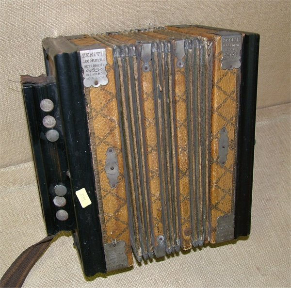 7012: ZENITH ACCORDION