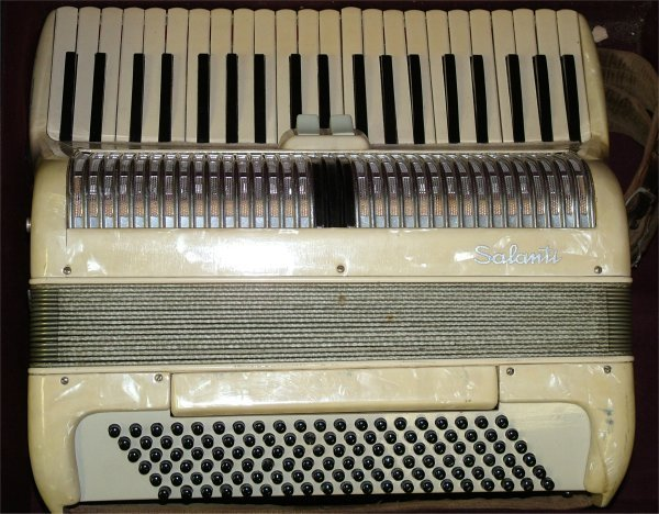 7013: SALANTI ACCORDION IN CASE