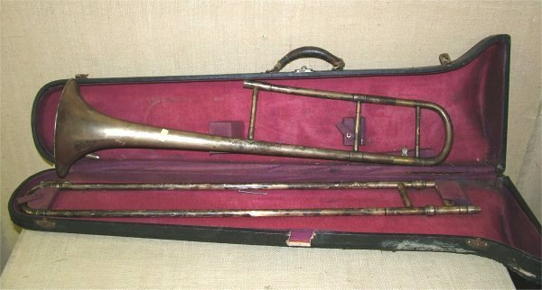7014: VARSITY USA BRASS SLIDE TROMBONE IN CASE