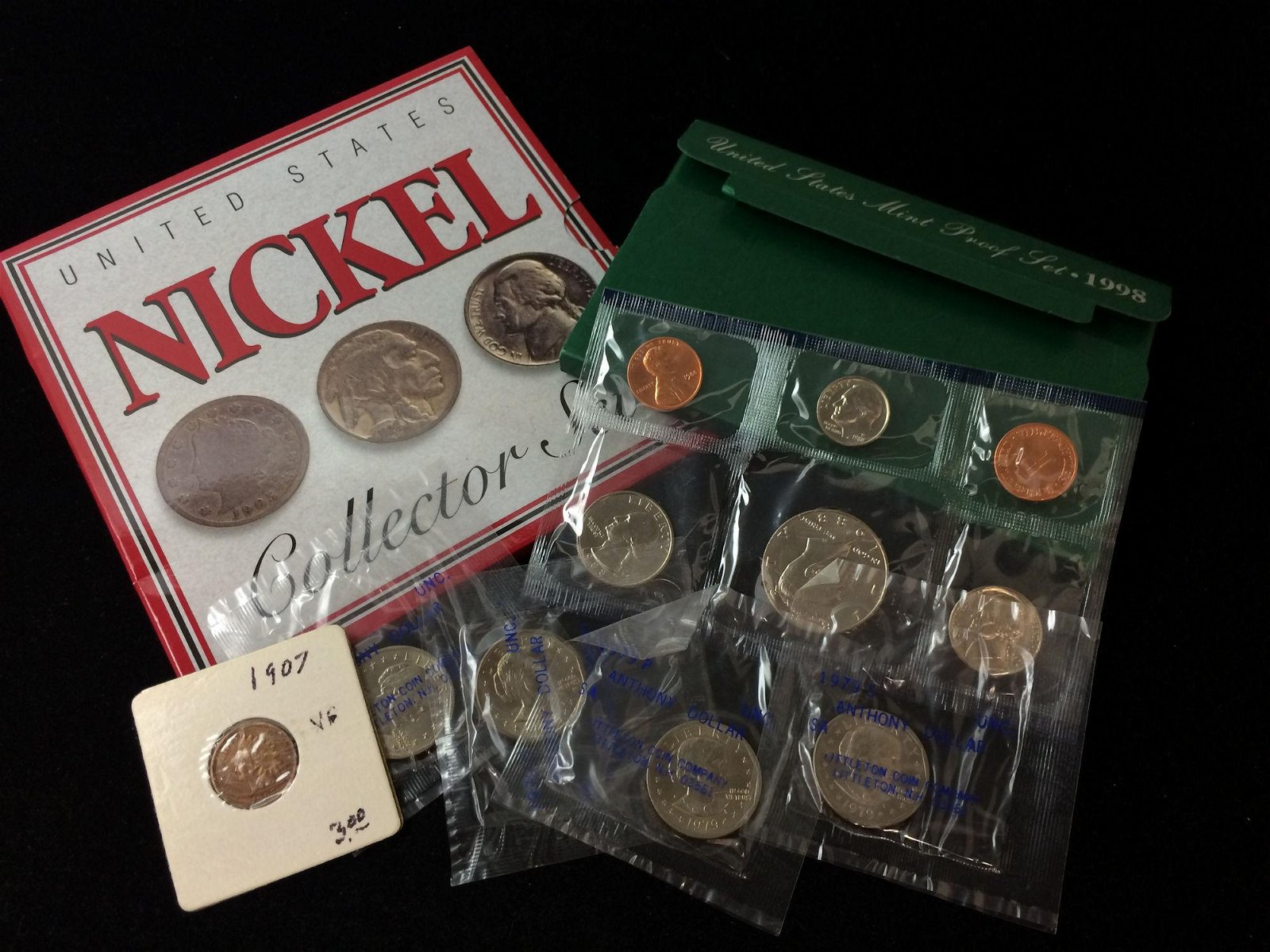 MIXED LOT INCLUDING NICKEL-TYPE COLLECTOR SET, 1988
