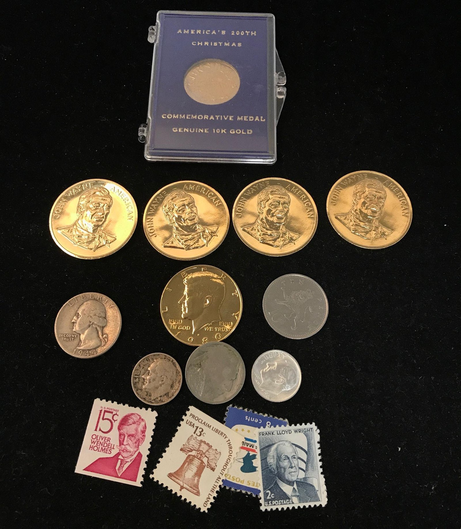 MIXED LOT INCLUDING 10K GOLD CHRISTMAS MEDAL 2.59g,  4