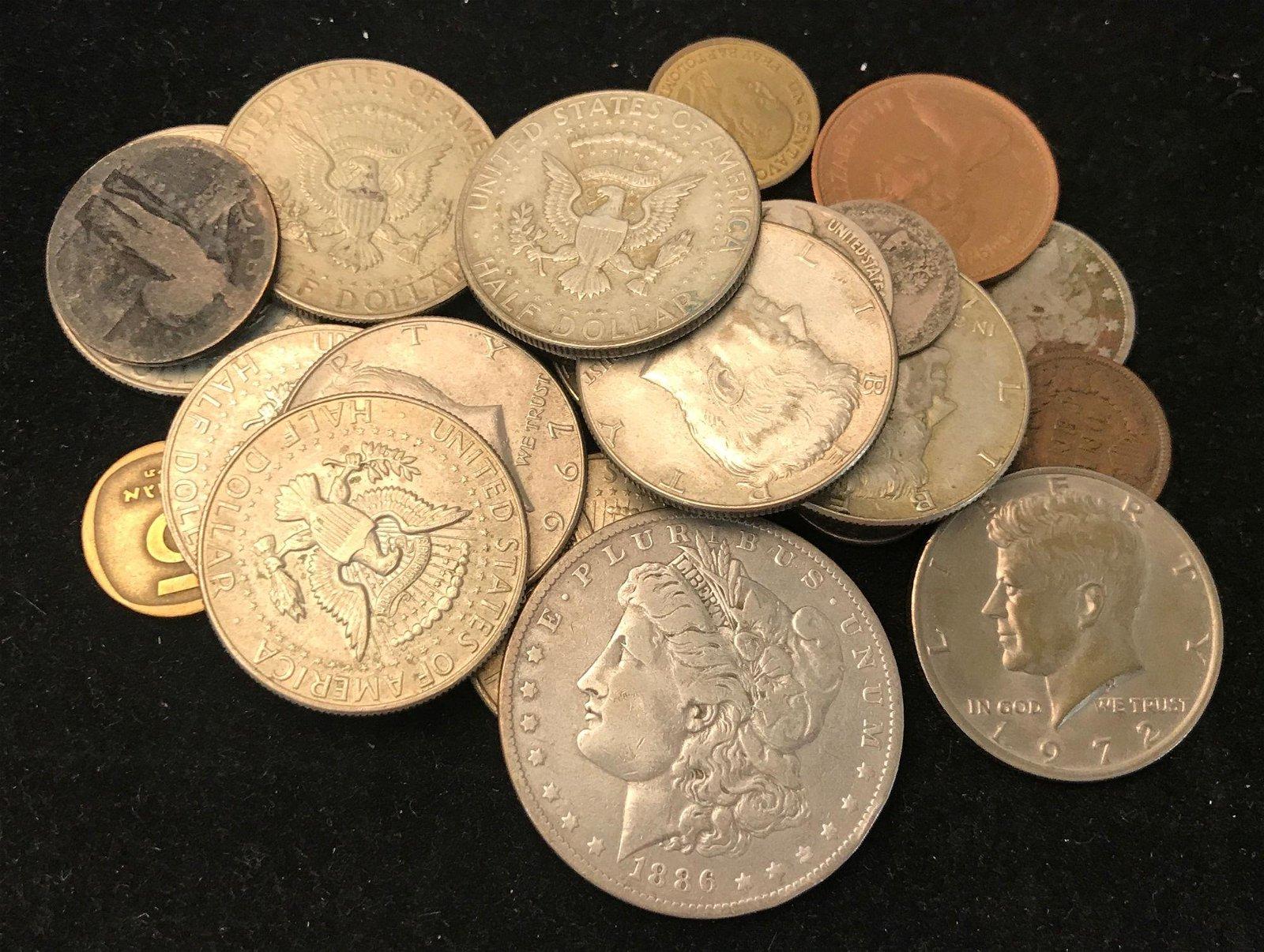 MIXED LOT INCLUDING 1886O MORGAN SILVER DOLLAR, (11)