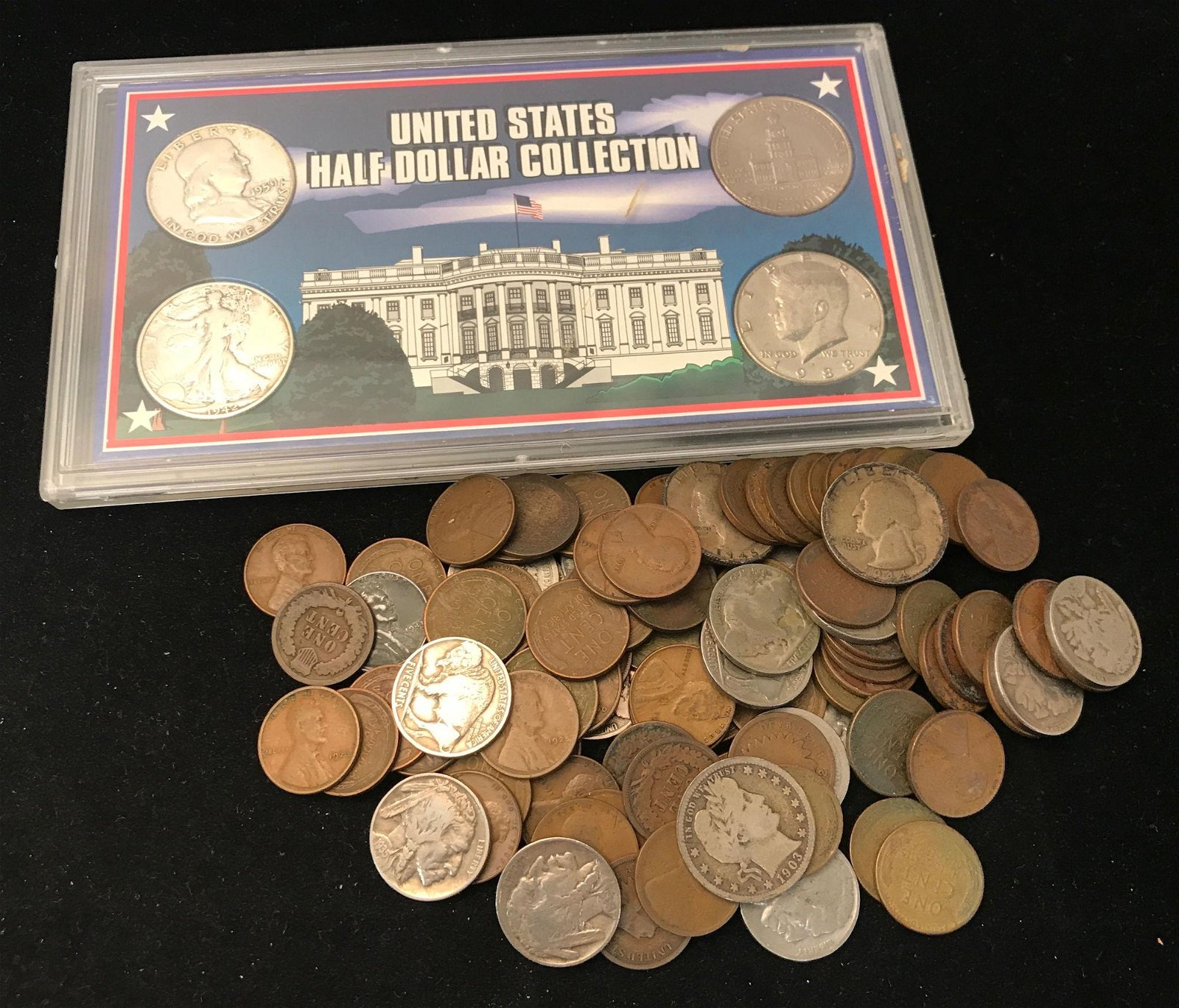 MIXED LOT INCLUDING U.S. HALF DOLLAR COLLECTION COIN