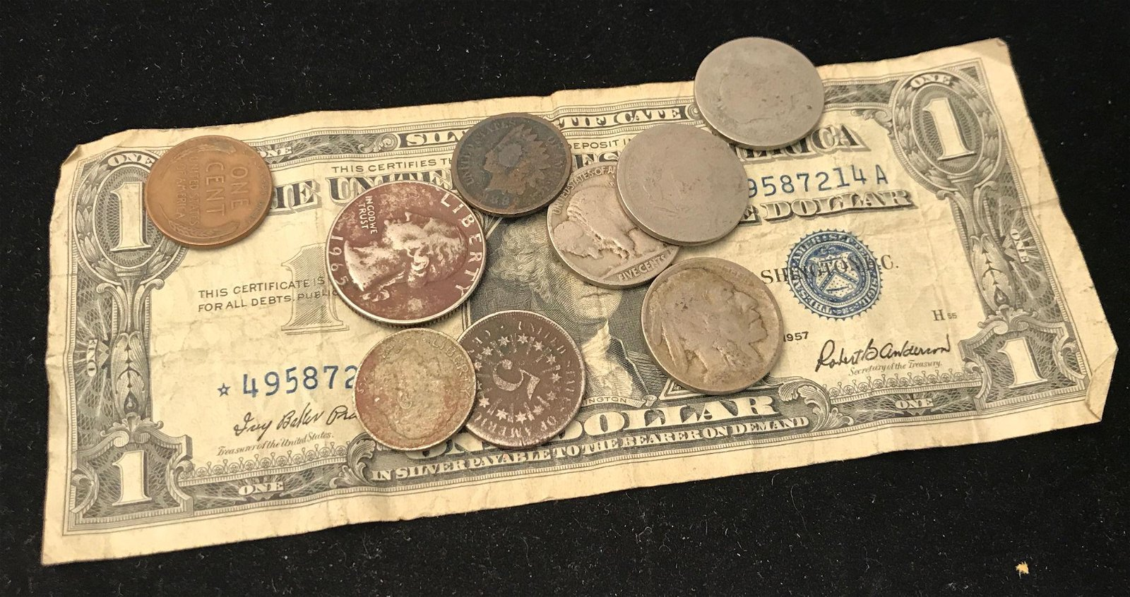 MIXED LOT INCLUDING SERIES 1957 ONE DOLLAR SILVER