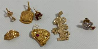 MISC GOLD JEWELRY INCLUDING 3 PENDANTS + 3 UNMATCHED
