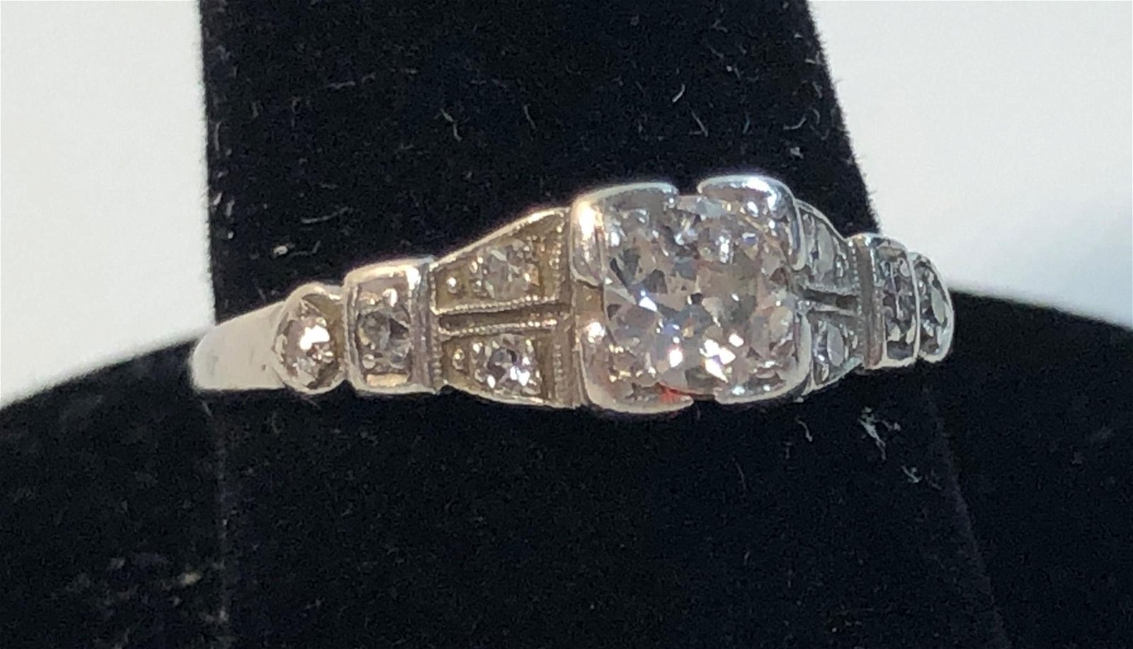 PLATINUM & DIAMOND VINTAGE ENGAGEMENT RING ~ SIZE 6,