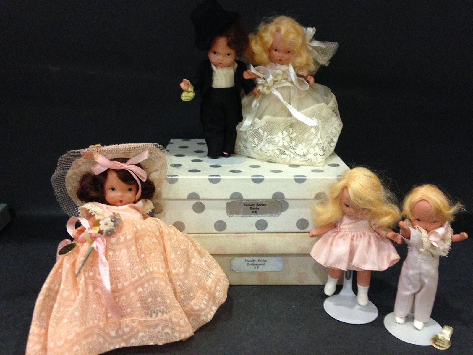 (5) VINTAGE BOXED AND UNBOXED NANCY ANN STORYBOOK