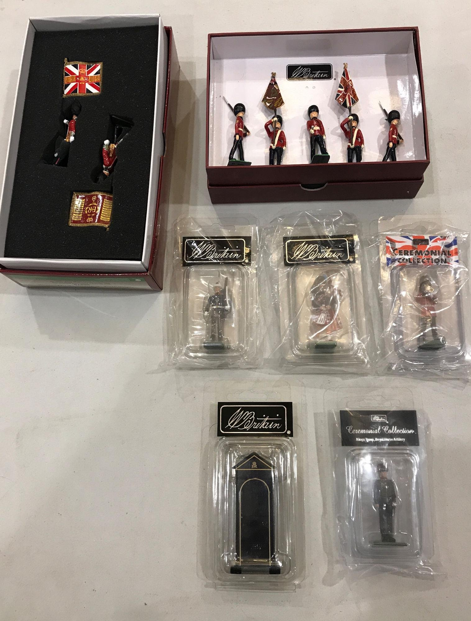 LOT 2 SETS AND 5 INDIVIDUAL BRITAINS SOLDIERS - 5