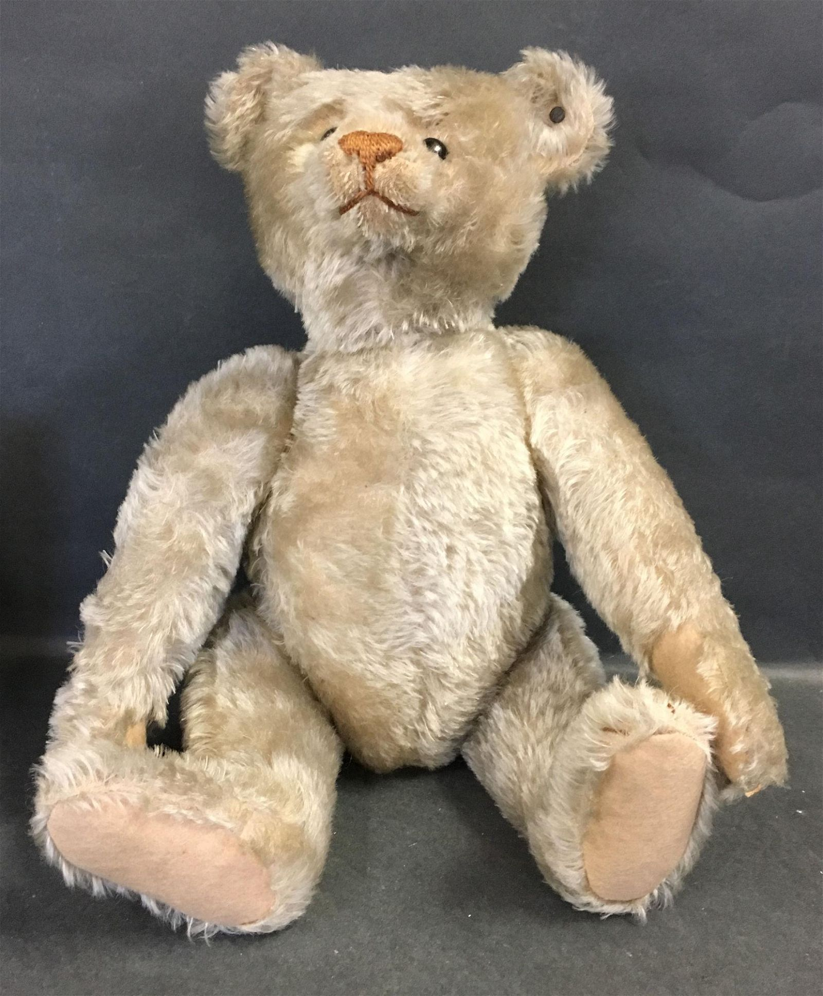 EARLY BLONDE MOHAIR STEIFF TEDDY BEAR. DISK JOINTED AT