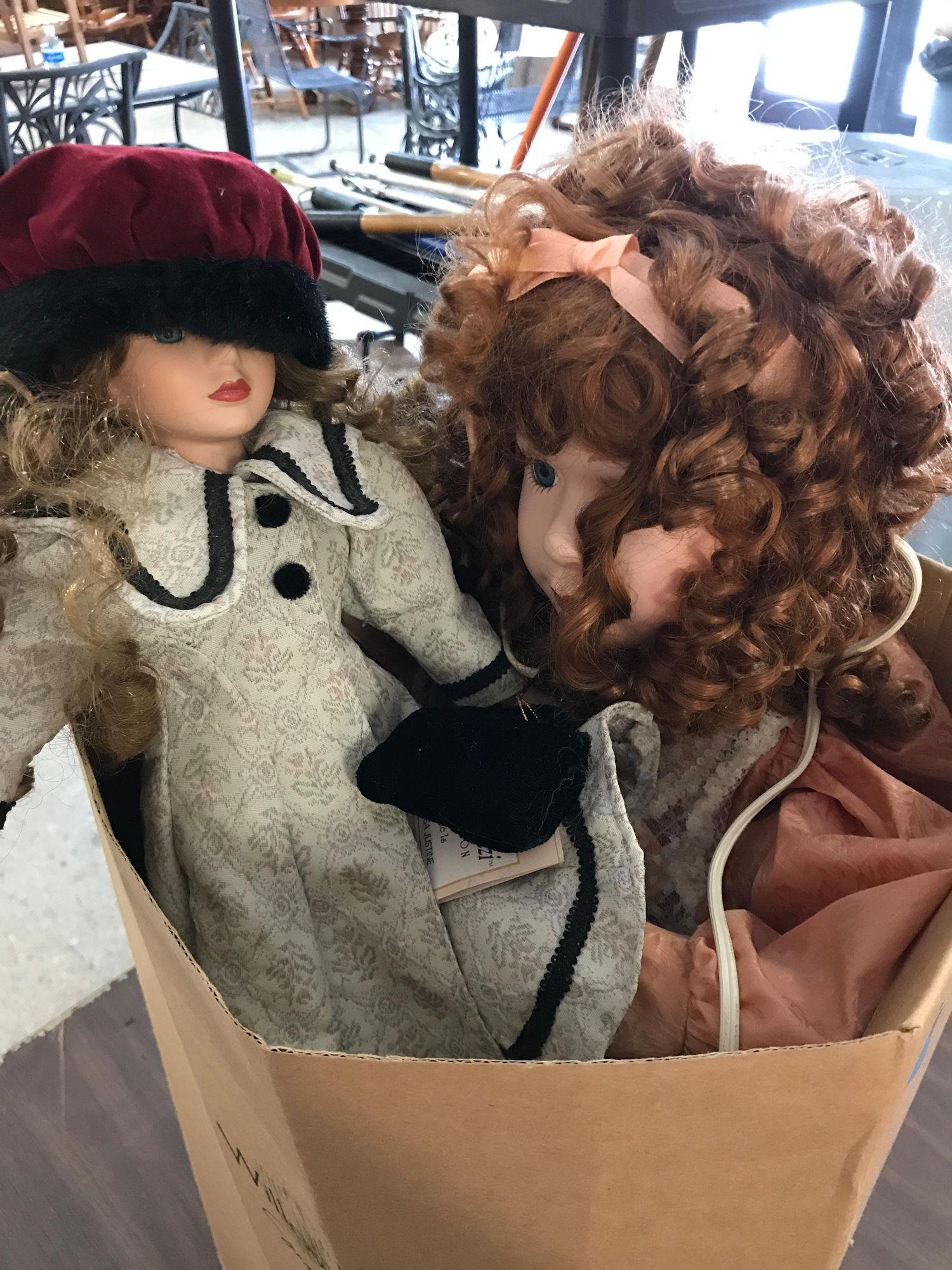 BOX LOTS INCLUDING DOLLS