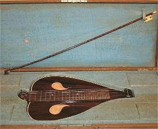 """TABLE TOP 4 STRING INSTRUMENT W/BOW IN CASE 18""""L"""