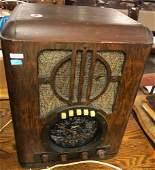 """1930's ZENITH TABLE RADIO. 13.5"""" x 10"""" x 18"""""""