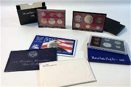 LOT OF US PROOF COIN AND UNCIRCULATED COIN SETS
