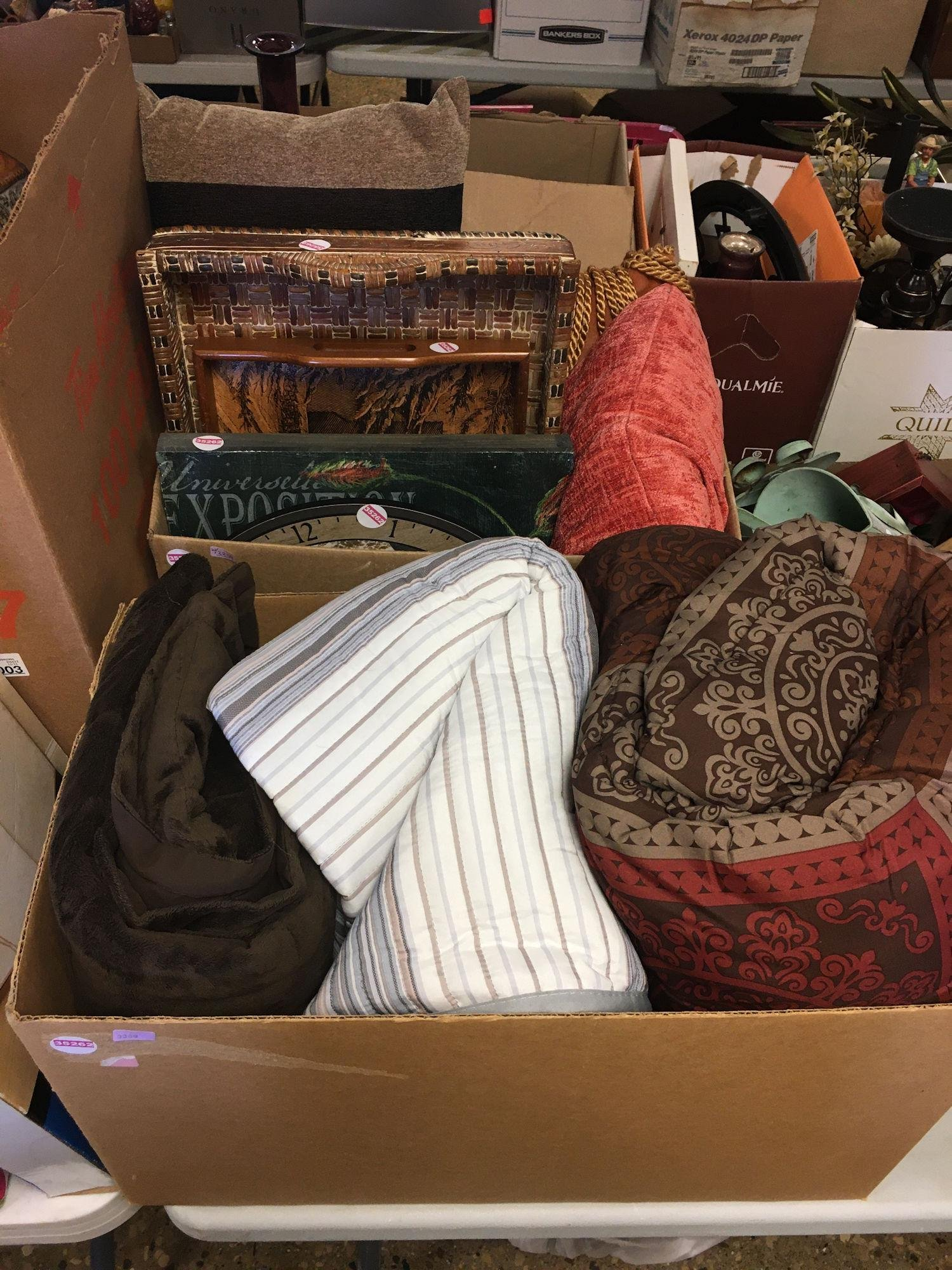 2 BOX LOTS WITH BLANKETS, THROW PILLOWS, WOOD TV TRAYS,