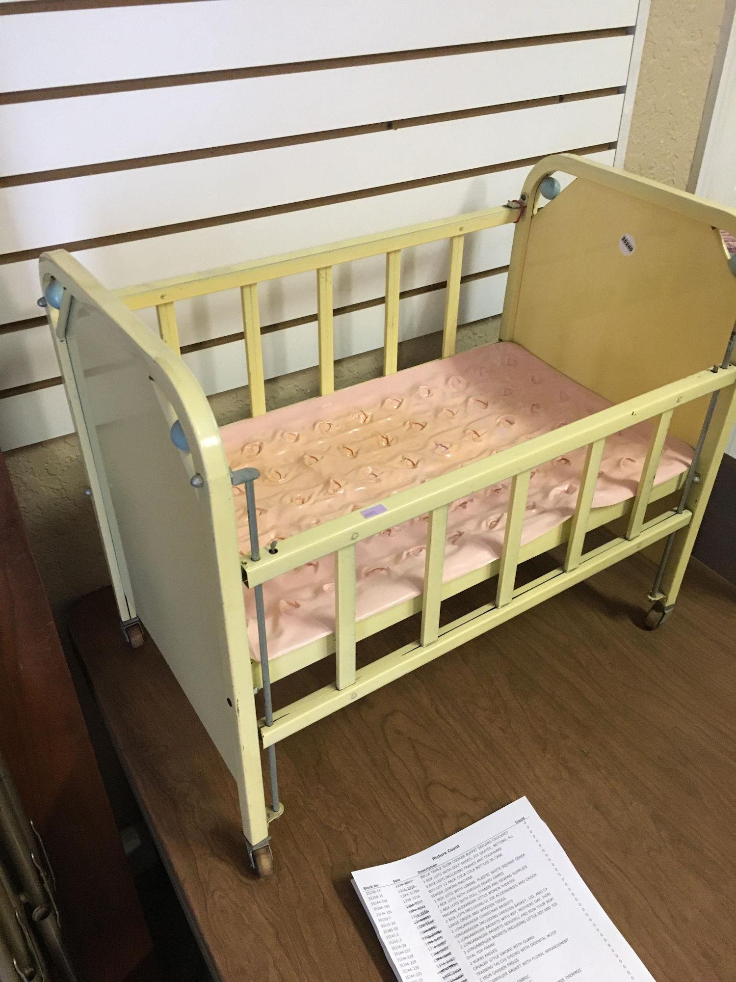 METAL DOLL CRIB