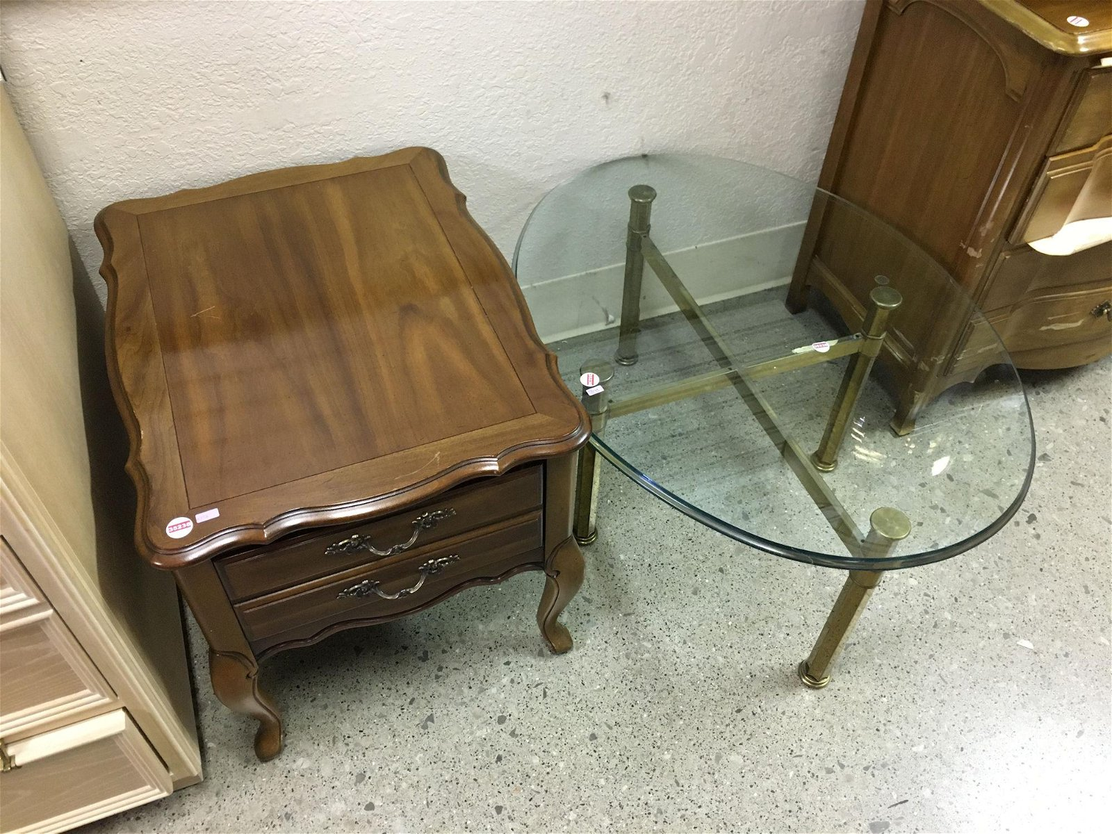 WOOD END STAND AND GLASS & BRASS COFFEE TABLE