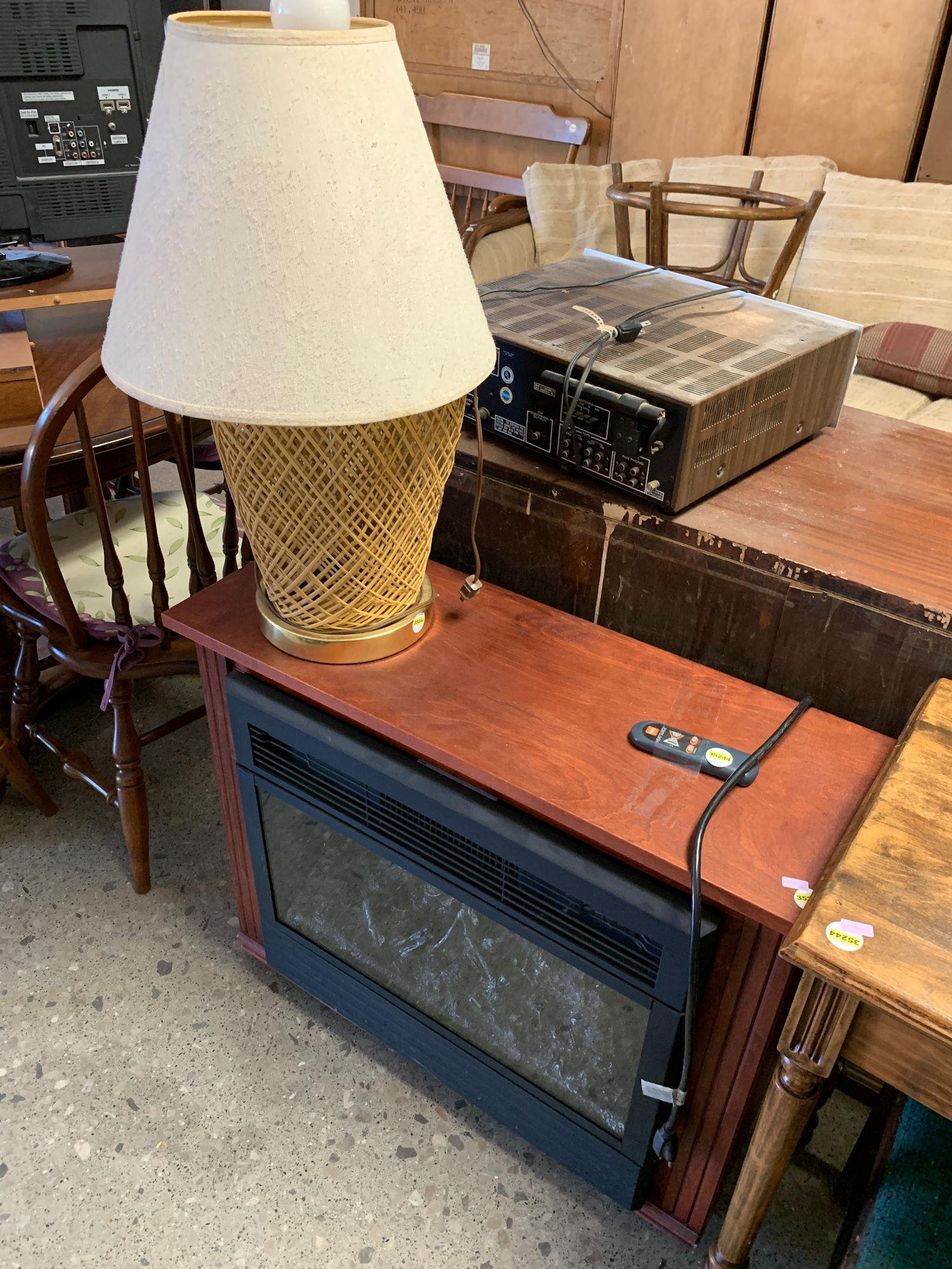 ELECTRIC FIREPLACE AND LAMP