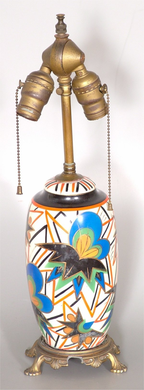15002: 1930'S DECORATED CHINA TABLE LAMP W/METAL BASE,