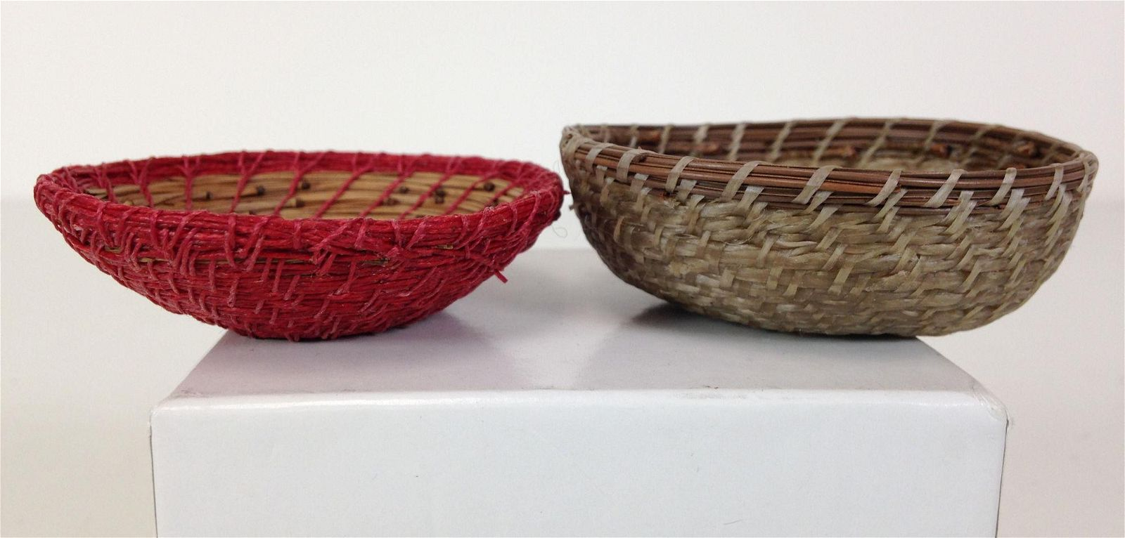 (2) MINIATURE INDIAN BASKETS. FINELY WOVEN INTEGRATING