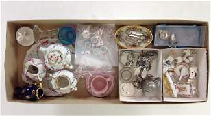 LOT MISCELLANEOUS DOLLHOUSE CHINA AND SERVING PIECES.