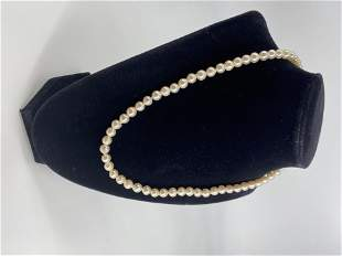 Pearl Necklace With 14kt Yellow Gold Clasp