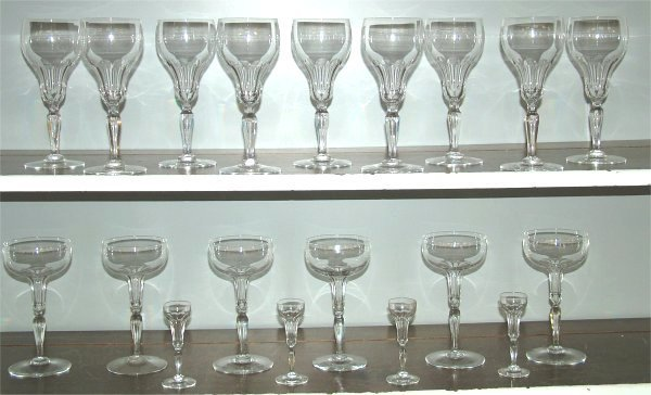 5022: 19 PC TEARDROP STEMS INCL (9) GOBLETS, (6) CHAMPA