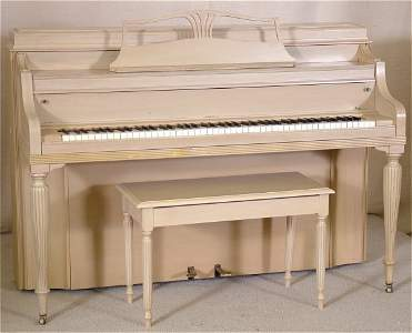 5416: CONSOLE PIANO W/BLONDE FINISH SERIAL #323002 W/BE