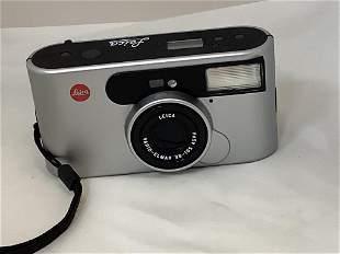 Leica camera. Vario Elmar 38-105 ASPH. Includes plastic