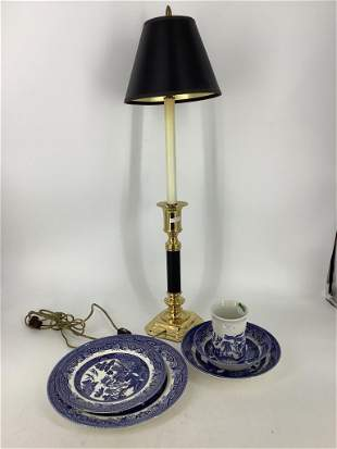 """Lot including 5 Churchill """"Blue Willow†dishes and"""
