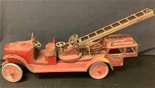 Buddy L Aerial Toy Fire truck. Fire ladder truck.26â€