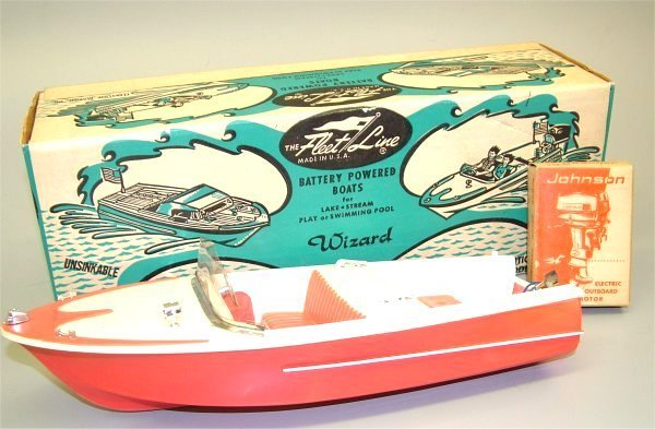 """3612A: FLEET LINE BATTERY OPERATED BOAT """"WIZARD"""" W/BOX"""
