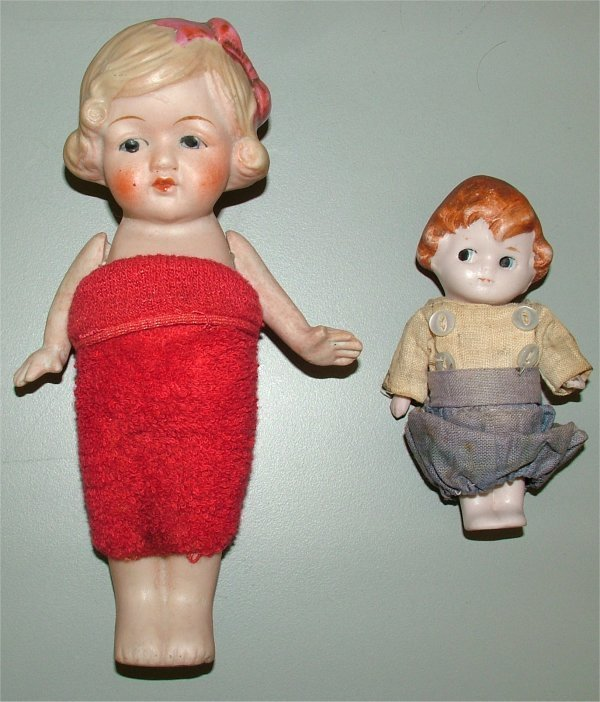 3618: LOT (2) JAPANESE BISQUE DOLLS W/MOVEABLE ARMS 4""