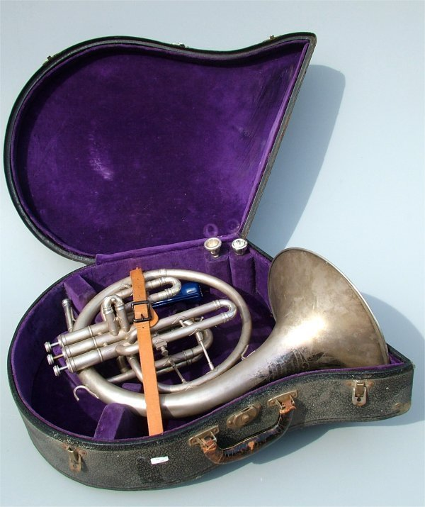 5008: HALTON SILVERTONE FRENCH HORN IN CASE,